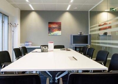 08_meetingroom.jpg
